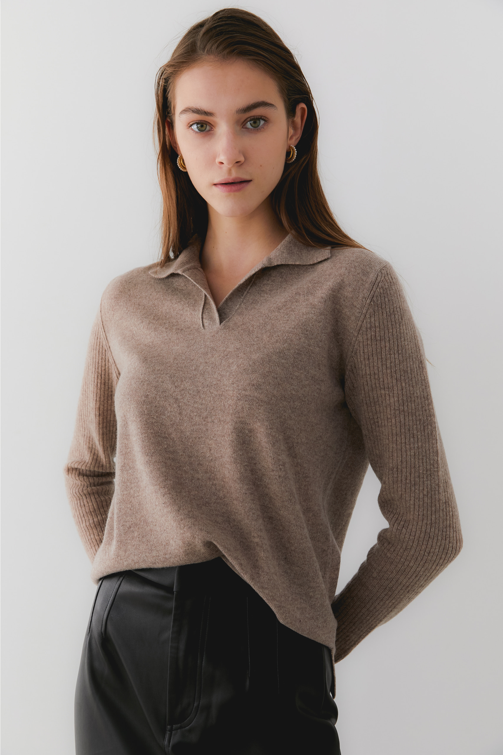 프리미엄 퓨어 캐시미어100 카라 풀오버 Premium pure cashmere100 ribbed soft-touch collar pullover - beige brown